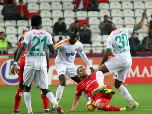 Spor Toto Süper Lig: Antalyaspor: 3 - Aytemiz Alanyaspor: 0 (Maç sonucu)