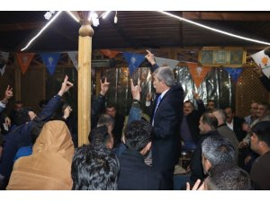 Siirt'te 200 kişilik grup AK Parti'ye katıldı