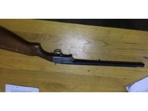 İnegöl'de polis çok sayıda silah ele geçirdi