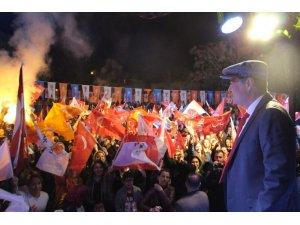 Cumhur İttifakı Adayı Fuat Akdoğan, ilk mitingini Soğucak'ta gerçekleştirdi