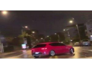 Kadıköy'de drift yapan trafik magandası kamerada