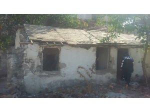 Suça mekan olan 3 metruk bina yıkıldı