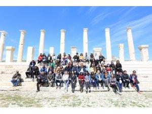 PAÜ'lü yabancı öğrenciler Tripolis Antik Kenti'ni gezdi