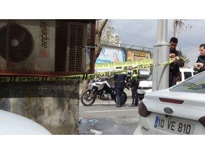 Benzin döküp kendini yakmaya kalkıştı, vatandaş kurtardı