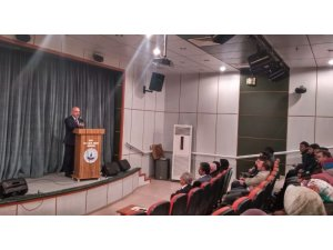 Ahlat'taki öğretmenlere yönelik konferans