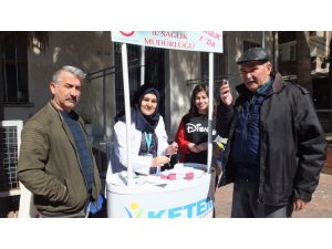 Burhaniye'de Kanserle Savaş Haftası etkinliği
