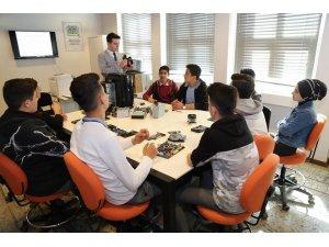 Öğrencilerden Dijital Kütüphane'ye yoğun ilgi