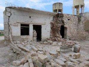 Suriye rejimi bir aileyi daha parçaladı: 1 ölü 4 yaralı