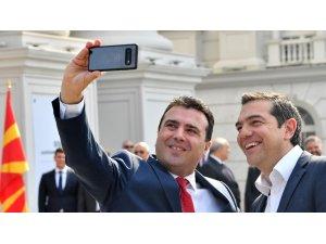 """Tarihi ziyarette """"selfie"""" arası"""
