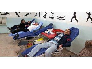 Gördes'te 80 ünite kan bağışı yapıldı