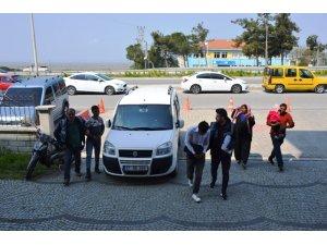 Biga'da hırsızlık yapan iki şahıs yakalandı