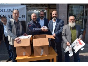 Balıkesir'de 10 bin paket kandil simidi dağıtıldı