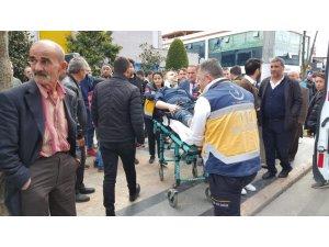 Otomobil ile motosikletin karıştığı kazada 1 kişi yaralandı