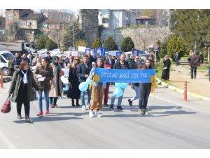 Sinop'ta '2 Nisan Dünya Otizm Farkındalık Günü'