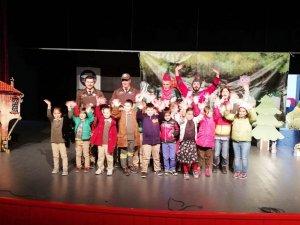 Minik öğrenciler ormancıların tiyatrosunda buluştu