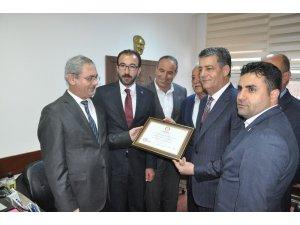 Şırnak Belediye Başkanı Yarka mazbatasını aldı