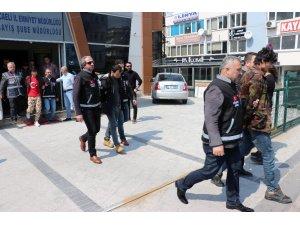Gebze'deki bıçaklı 5 gaspçı tutuklandı