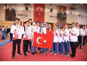 Avrupa Taekwondo Şampiyonası'na 8 madalyalı başlangıç