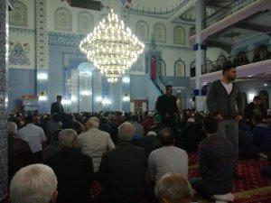 Aydın'da Miraç Kandili dolayısıyla vatandaşlar camilere akın etti