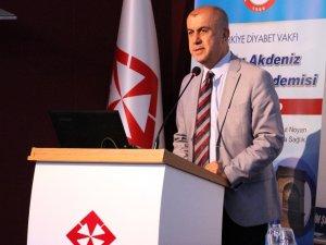 """Prof. Dr. Yılmaz: """"Diyabet Türkiye'nin önemli bir sorunu"""""""