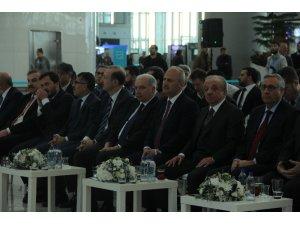 """Ulaştırma Bakanı Turhan: """"Taşınma süreci 5 Nisan 03.00'de başlayacak, 6 Nisan gecesi 23.59'da tamamlanacak"""""""