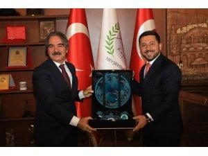 NEVÜ Rektörü Prof. Dr. Mazhar Bağlı'dan Nevşehir Belediye Başkanı Rasim Arı'ya ziyaret