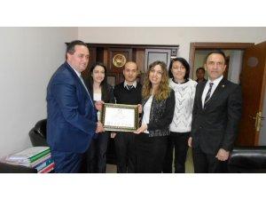 Akçakoca Belediye başkanı seçilen Okan Yanmaz mazbatasını aldı
