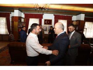 Emniyet Müdürü Artunay, Başkan Arı'ya hayırlı olsun ziyaretinde bulundu
