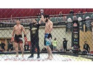 Küçükköy Sporlu MMA'cılar 15 madalya ile döndü