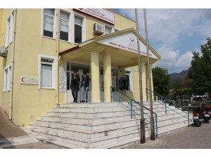 Marmaris'te aile hekimleri iş bıraktı