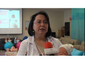 Kayseri Şehir Hastanesi Gebe Okulu Anne Adaylarına Anneliği Öğretiyor