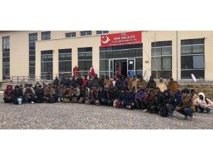 Başkale'de 72 kaçak göçmen yakalandı