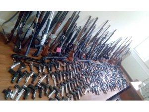Kayseri Emniyeti 3 ayda 245 silah ve 95 bıçak ele geçirdi