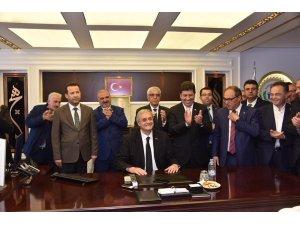Bozüyük Belediye Başkanı mazbatasını alarak göreve başladı
