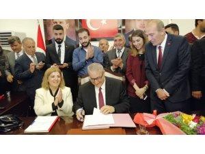 Pazarcık Belediye Başkanı Yılmazcan, mazbatasını aldı