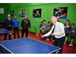 Vali Seymenoğlu'ndan 'Spor bağımlılığı' çağrısı