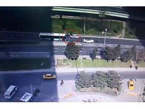 Ters yöne dönüş yapan otomobil motosikletliye çarptı