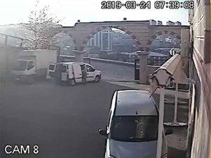 Gaziosmanpaşa'da bir kamyon tekstil malzemesini taksit taksit çaldılar