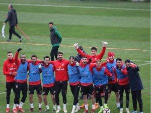 İstikbal Mobilya Kayserispor'da yüzler gülüyor