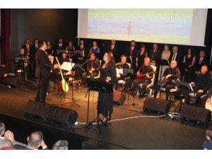 Kursiyerlerden halk müziği konseri