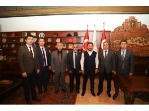 Gençlik ve Spor İl Müdürü Ünlüer, Başkan Arı'yı ziyaret etti
