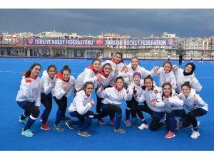 Kadınlar Hokey Türkiye Süper Ligi dolu dizgin devam ediyor