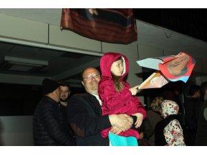 Kesimoğlu, Kırklareli Belediyesi önünde vatandaşlar tarafından karşılandı