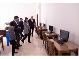 Şeyh Edebali Üniversitesi'ne bilgisayar salonu açıldı