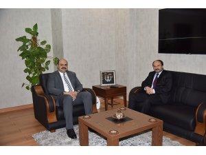 Rektör Prof.Dr. Çakmak'tan Başkan Orhan'a hayırlı olsun ziyareti