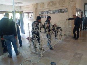 AK Partili Belediye Başkanı güvenlik turnikelerini kaldırdı