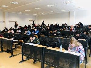 Kilis'te  Avrupa'da öğrenim görmek isteyen öğrenciler için yabancı dil sınavı