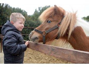 Çocuklardan can dostlarına ziyaret