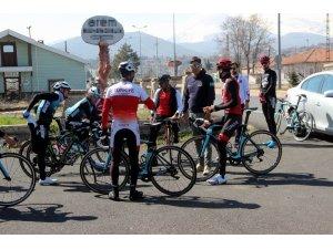 Bisiklet Milli Takımı yarışlara Erciyes'te hazırlanıyor