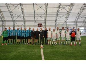 Üniversitede futbol turnuvası heyecanı başladı
